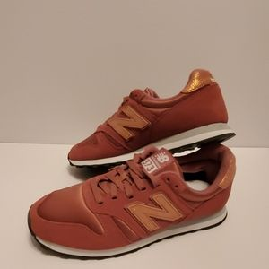 New balance 373 womens  athlete shoes size 6.5